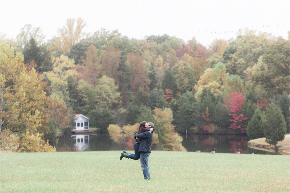 stephanie-yonce-photography-richmond-virginia-fall-farm-engagement-session-photos_0001.jpg