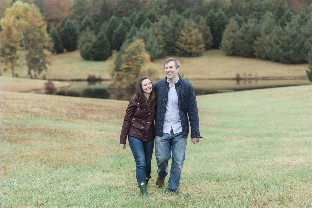 stephanie-yonce-photography-richmond-virginia-fall-farm-engagement-session-photos_0003.jpg
