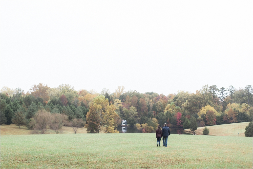 stephanie-yonce-photography-richmond-virginia-fall-farm-engagement-session-photos_0005.JPG