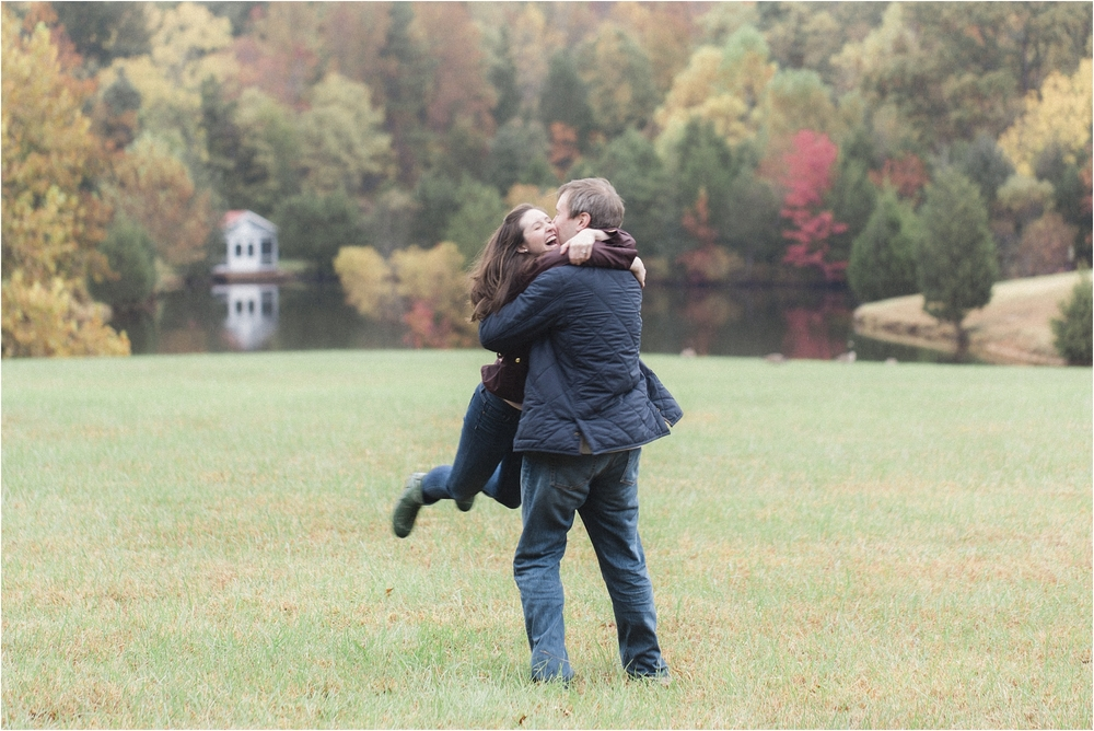 stephanie-yonce-photography-richmond-virginia-fall-farm-engagement-session-photos_0006.jpg