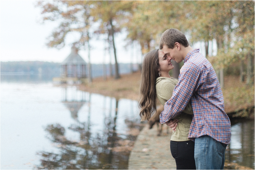 stephanie-yonce-photography-richmond-virginia-woodsey-fall-engagement-session-photos_0016.jpg