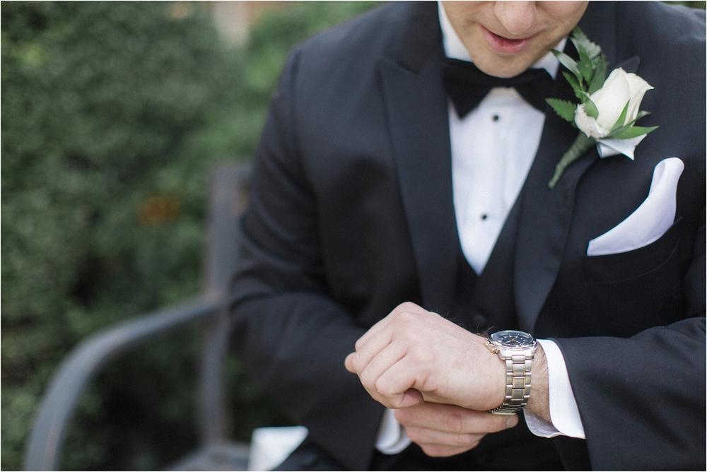small-intimate-winter-wedding-richmond-virginia_0004.jpg