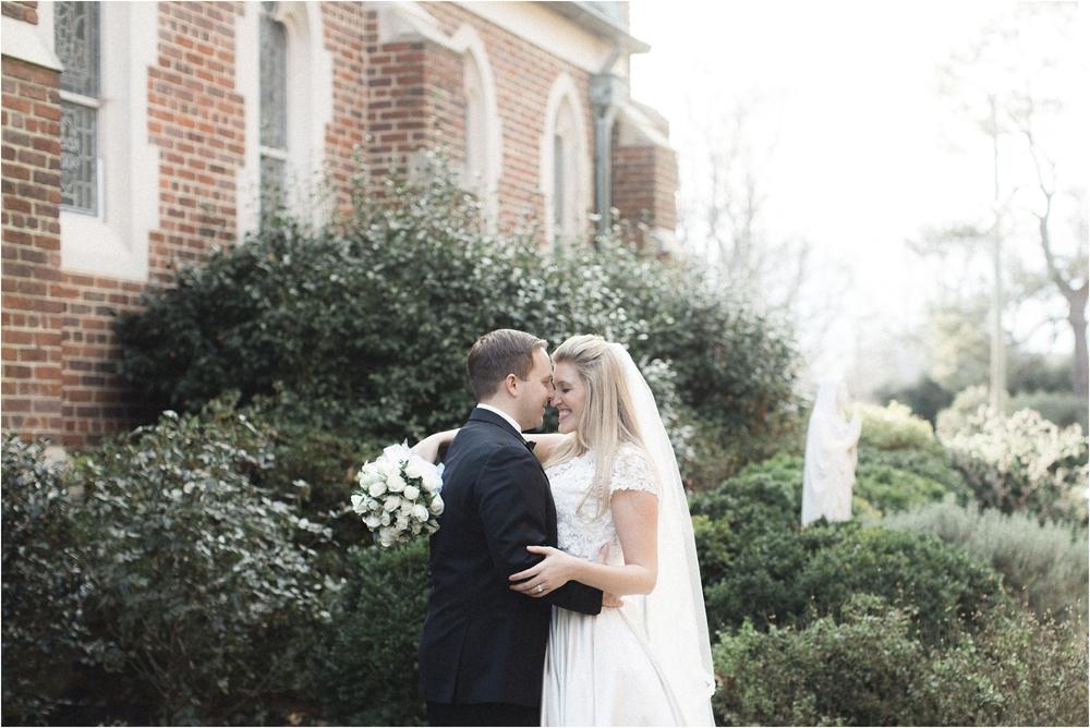 small-intimate-winter-wedding-richmond-virginia_0017.jpg
