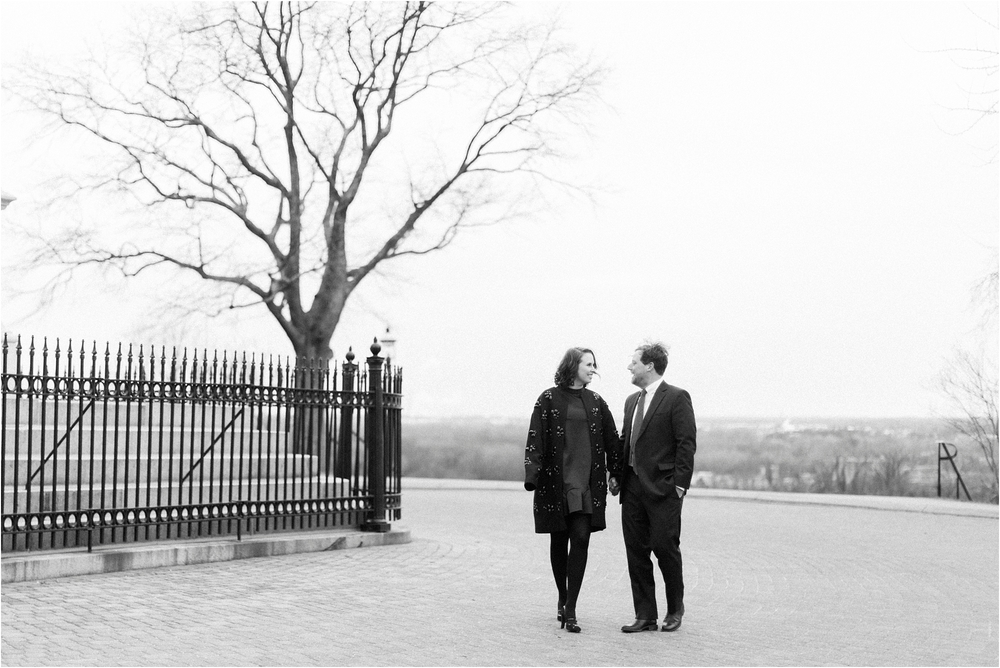 stephanie-yonce-photography-winter-libby-hill-park-virginia-engagement-photos_0003.jpg