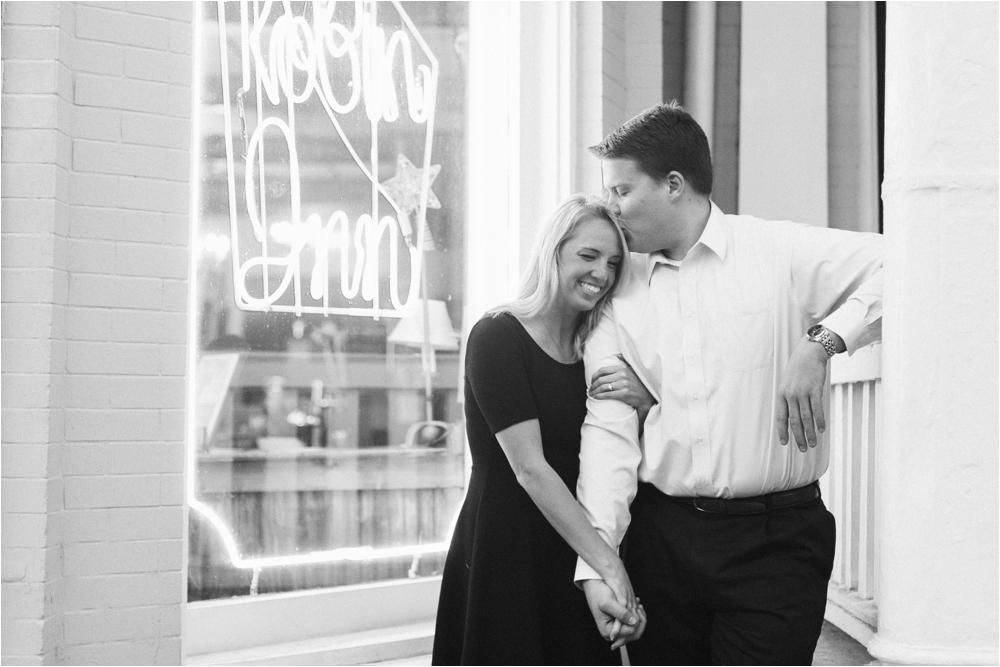 jessica-tyler-downtown-richmond-va-engagement_0031