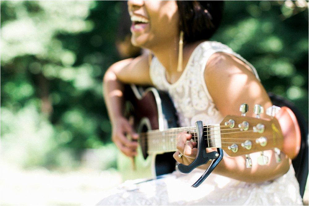 inimate-richmond-virginia-backyard-summer-wedding-photos_0008.jpg