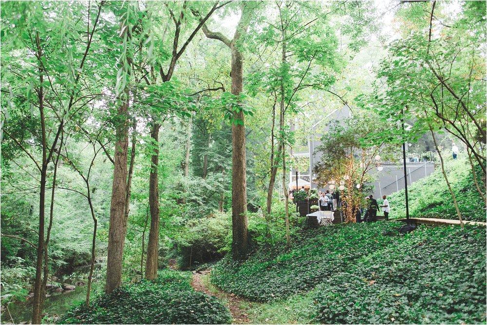 intimate-wooded-backyard-richmond-virginia-wedding-photo_0019.jpg