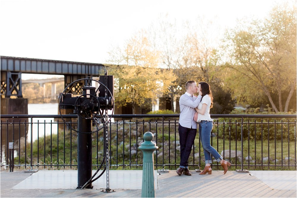 george-michelle-browns-island-richmond-va-engagement-photos_0008.jpg