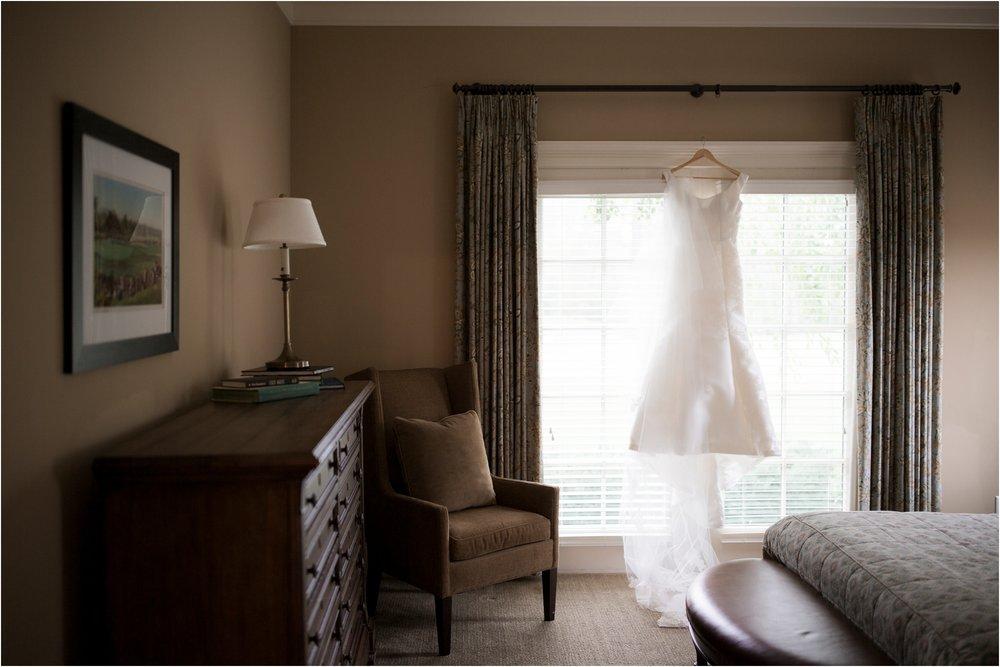 carly-jamie-richmond-va-commonwealth-club-rainy-wedding-day-photos_0001.jpg
