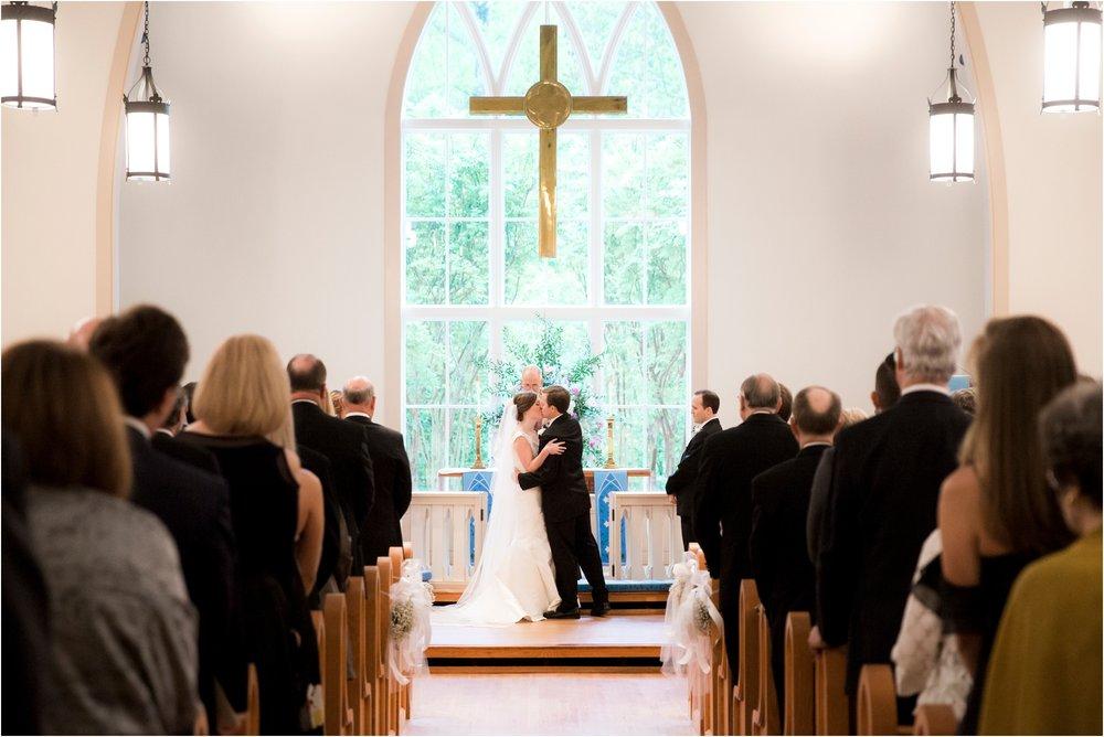 carly-jamie-richmond-va-commonwealth-club-rainy-wedding-day-photos_0036.jpg