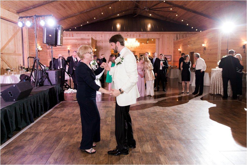 sarah-william-atkinson-farm-virginia-wedding-day-photos_0075.jpg
