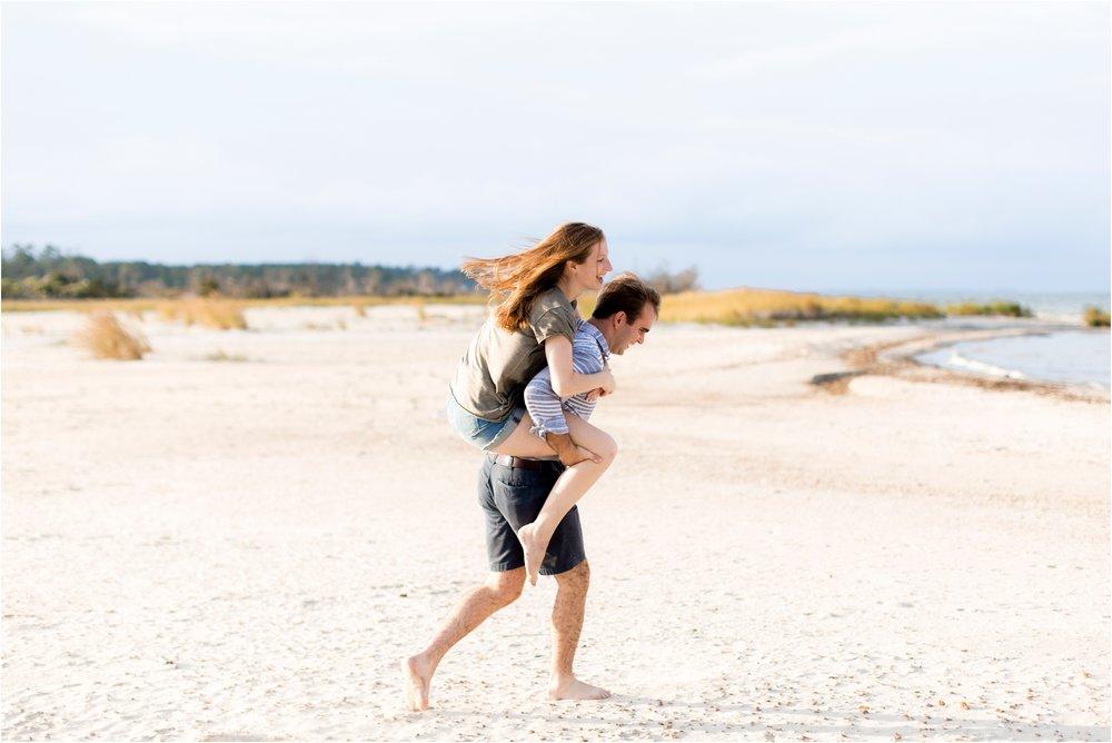 emily-drew-chesapeake-bay-beach-virginia-engagement-photos_0012.jpg