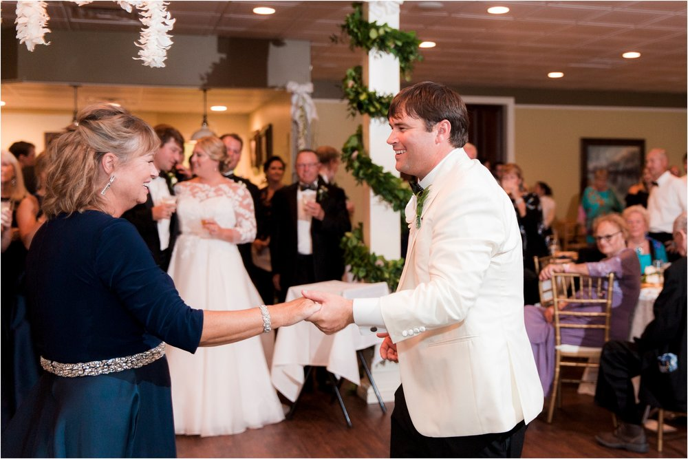 rachel-robert-chesapeake-inn-urbanna-virginia-wedding-photos_0032.jpg