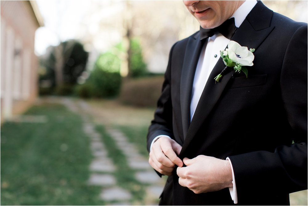 katie-robbie-country-club-of-virgiinia-winter-richmond-virginia-wedding_0011.jpg