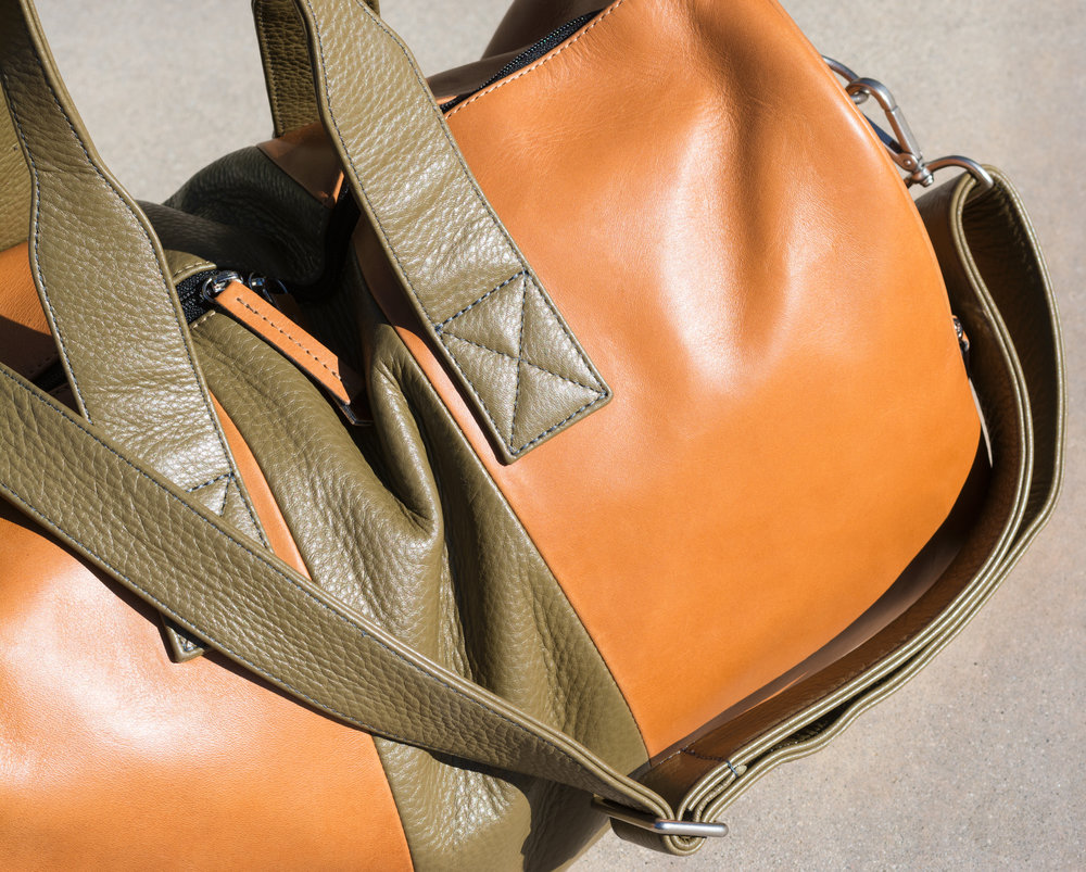Custom leather duffel bag by Laudi Vidni | The Modern Otter