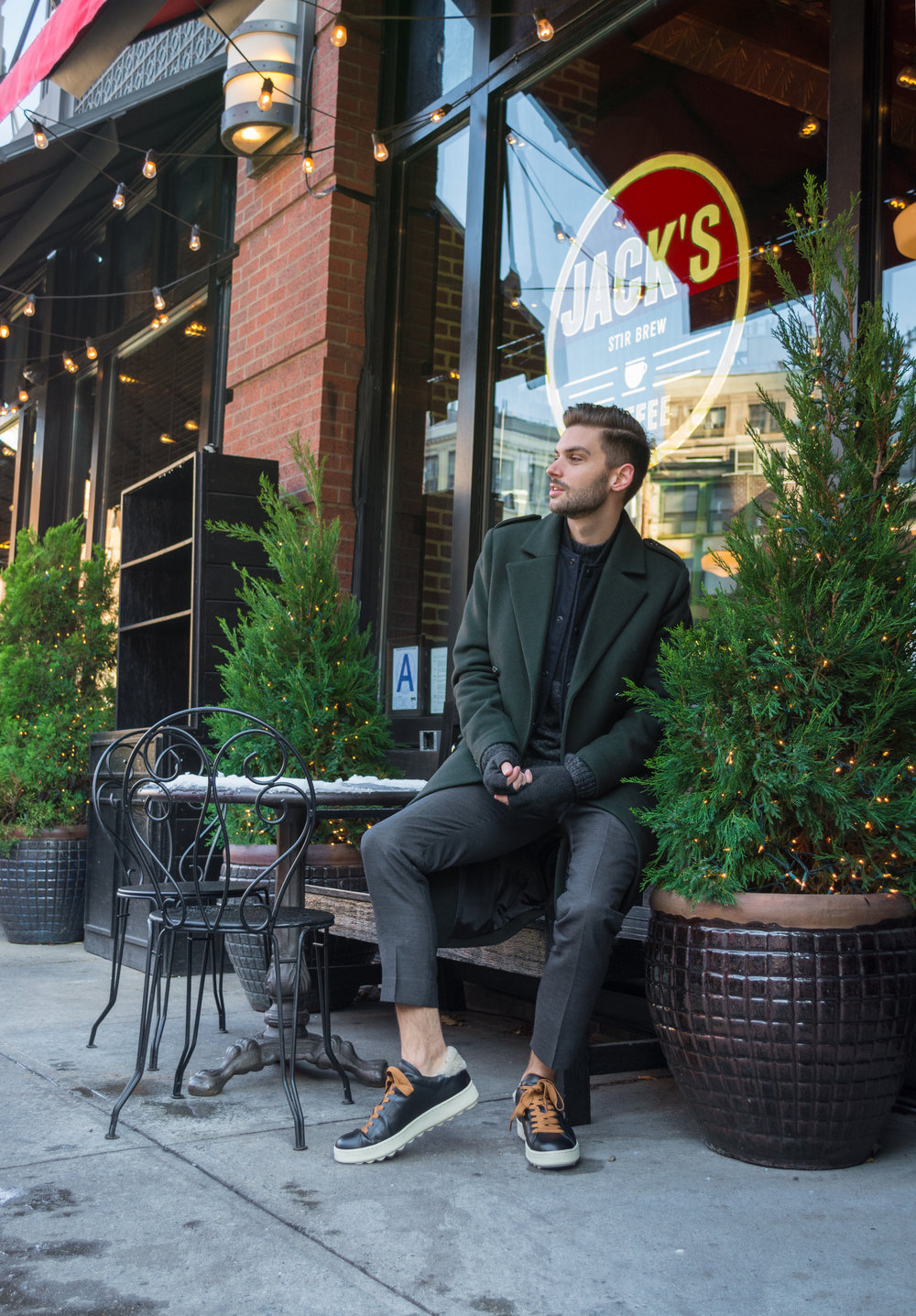Dressed to Party, Holiday Looks with The Modern Otter and @HM