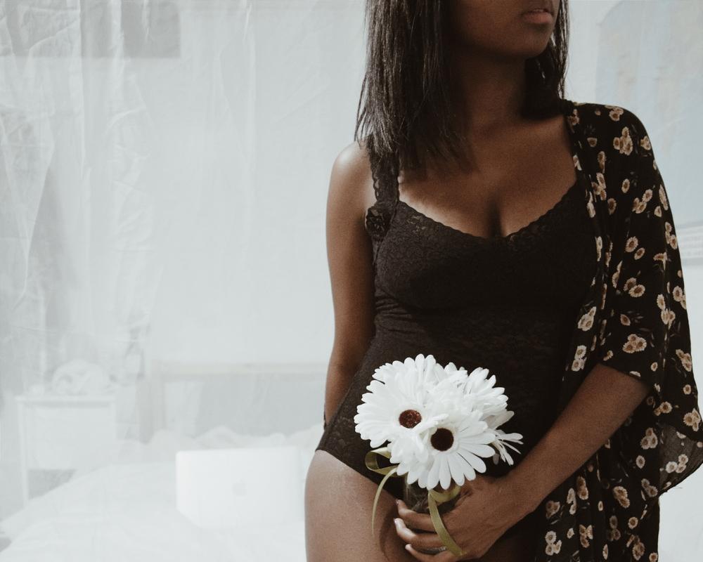 Lace Bodysuit / Aerie     Daisy Kimono / Brandy Melville ( No longer Available)