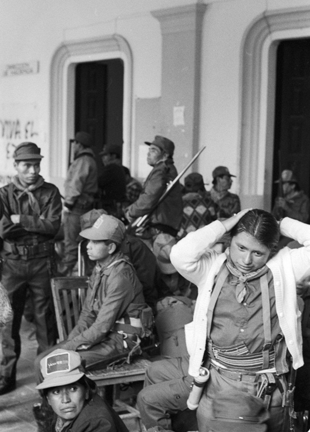 Guerrilleras Zapatistas / Zapatista Guerrillas
