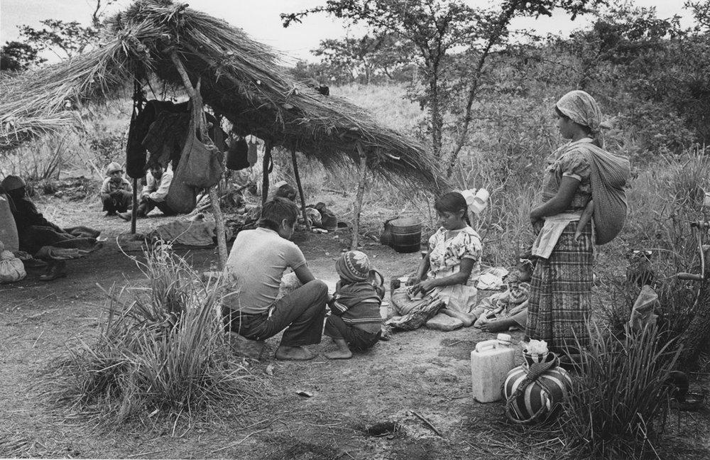 Llegada de Refugiados Guatemaltecos / Arriving Guatemalan Refugees