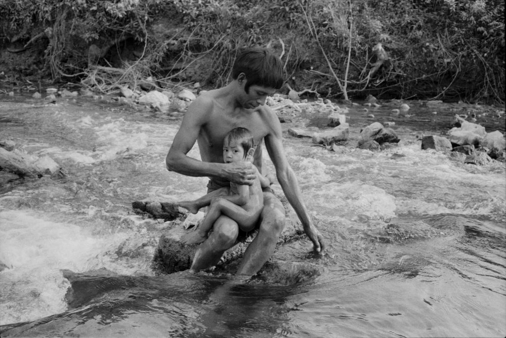 Bañando a Papá / Bathing Daddy