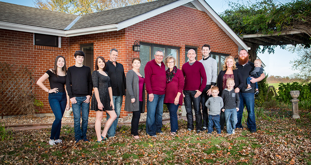 I love photographing families and their extended family!!