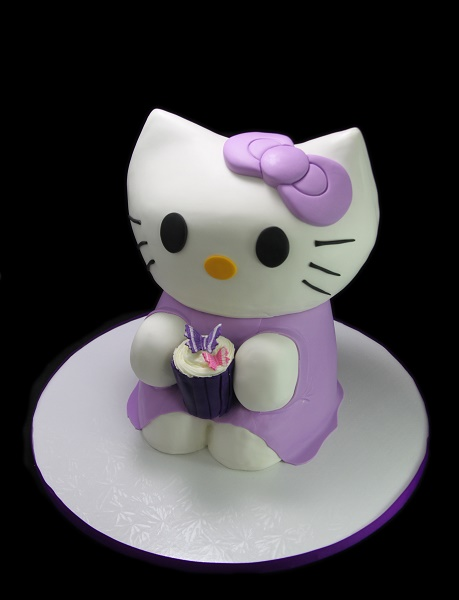 Hello Kitty Shaped Cake 2.jpg