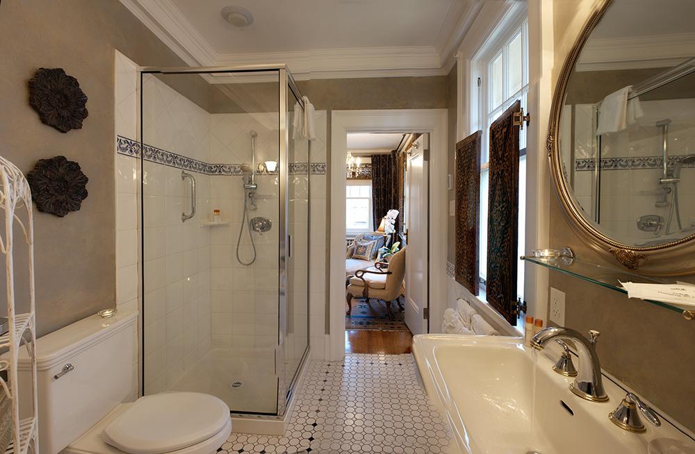 bathroom1-sm.jpg