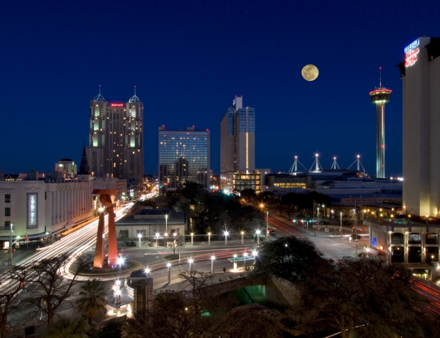 San_Antonio_Skyline_Evening