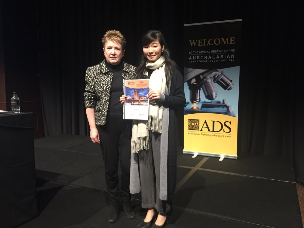 2018 Winner of the Brenan Prize Dr Cathy Zhao with ADS President Dr Cathy Reid.