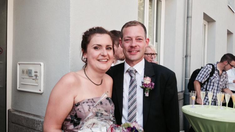 Heute um 11.23 Uhr ist aus Frau Ackermann Frau Langolf geworden. Wir gratulieren alle herzlich.