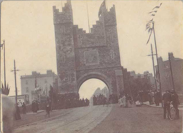 city gate 1900.jpg