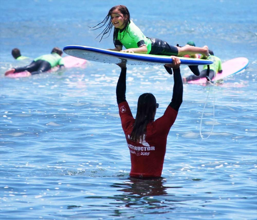 surf-instructors.jpg