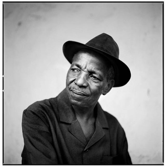 It was just a month ago that I was talking about the great Malick Sidibé. He was one of my favorite photographers and his work has been an inspiration to many of the creations I make.  Rest in Power.  #MalickSidibe #BlackArtist #African #Mali #Art #ArtWork #FineArts #ArtLover #Artist #photography #blackandwhite #portraiture #portraits #70sFashion #MensFashion #JanetJackson
