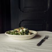 Sałatka z jarmużu z quinoa i ricottą