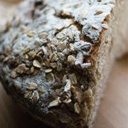 Chleb żytnio-owsiany z suszonymi figami (na zakwasie)