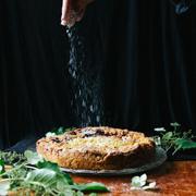Pleśniak (ciasto kruche z dżemem porzeczkowym i owocami)