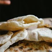 Chlebki pita z patelni
