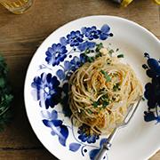 Spaghetti z anchois, oliwą i cytryną