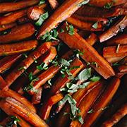 Marchewki pieczone w soku z czerwonych pomarańczy