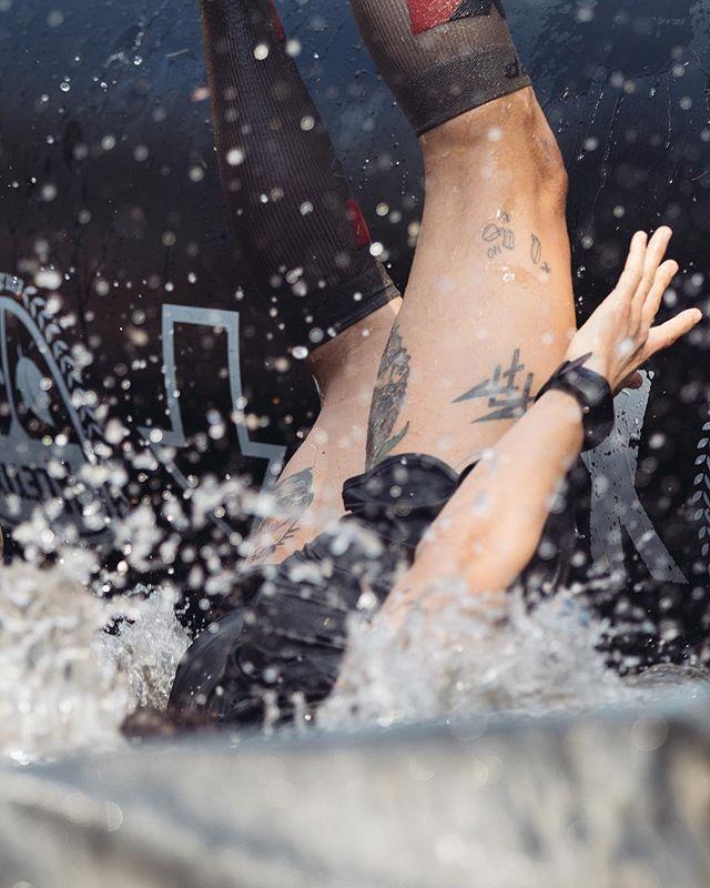 What to do if it's too hot? ___ 📸 by @pimrinkes • #cep #cepsports #obstaclerun # compression #xletix #xletix2018 #runpack #runpackberlin #ceprunsxletix #ocr #truecompression #werbung