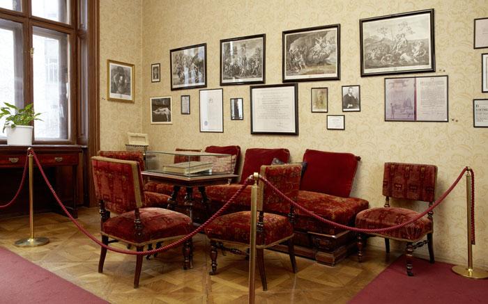 De wachtkamer van Freud Photographer: Florian Lierzer © Sigmund Freud Foundation