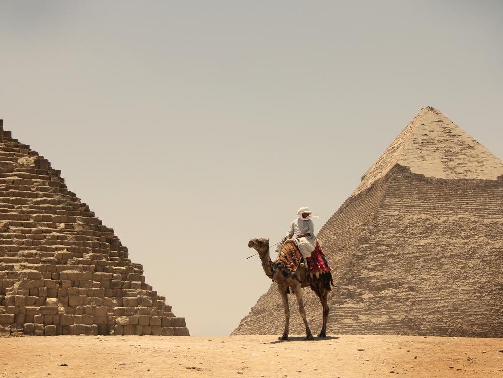 15.6.11 Pyramids in Cairo.JPG
