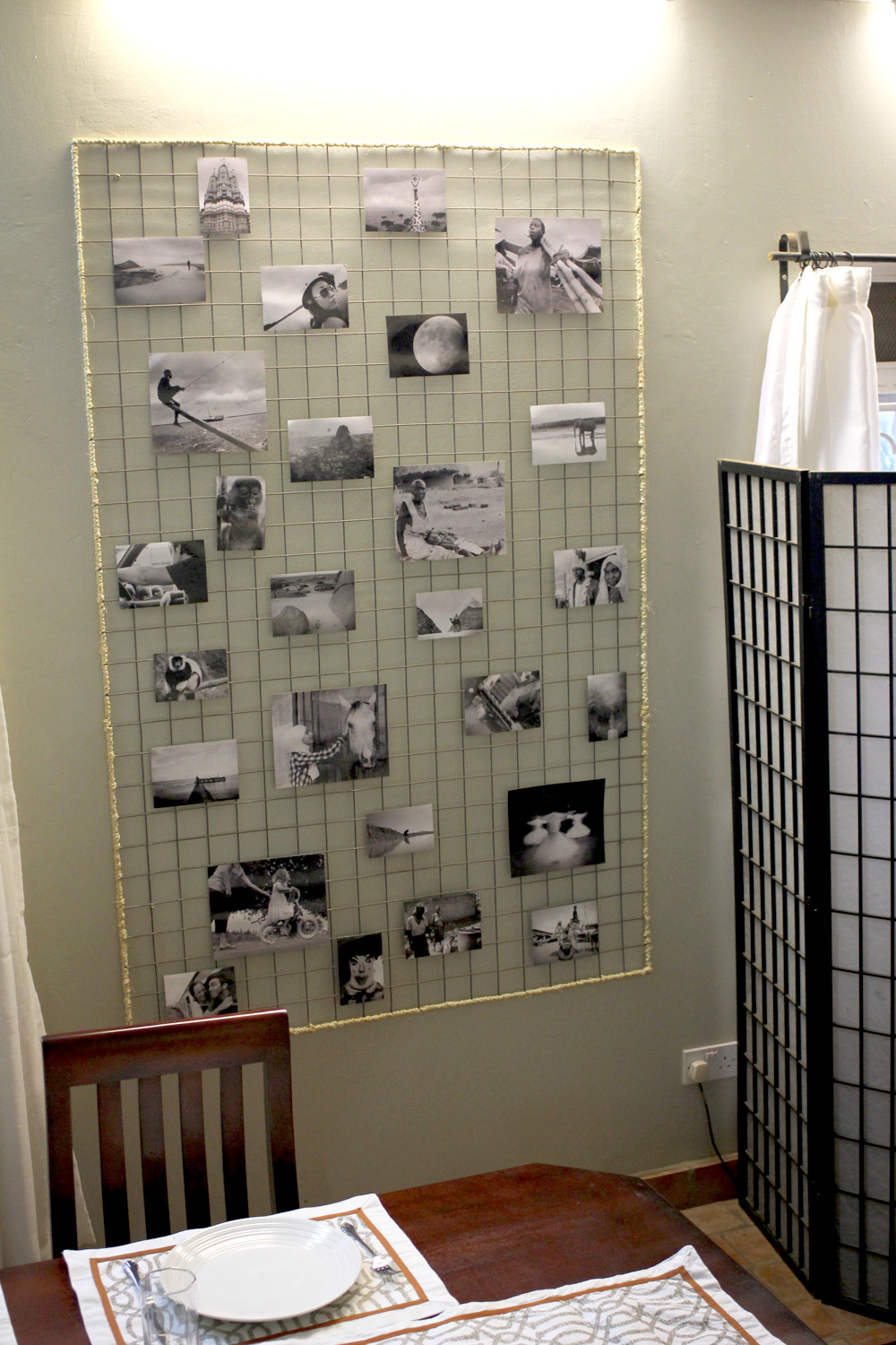 DIY wire mesh photo board