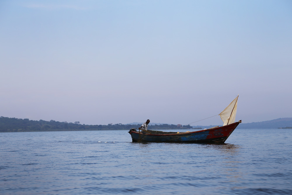 Dugout sail boat, Lake Victoria