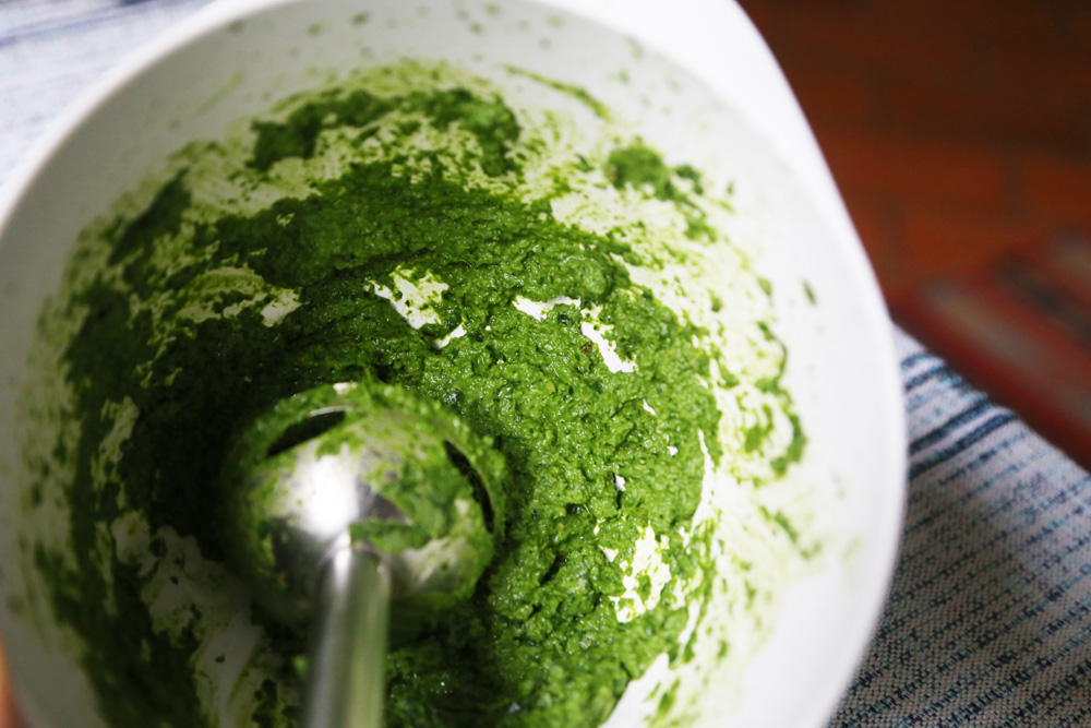 making arugula pesto