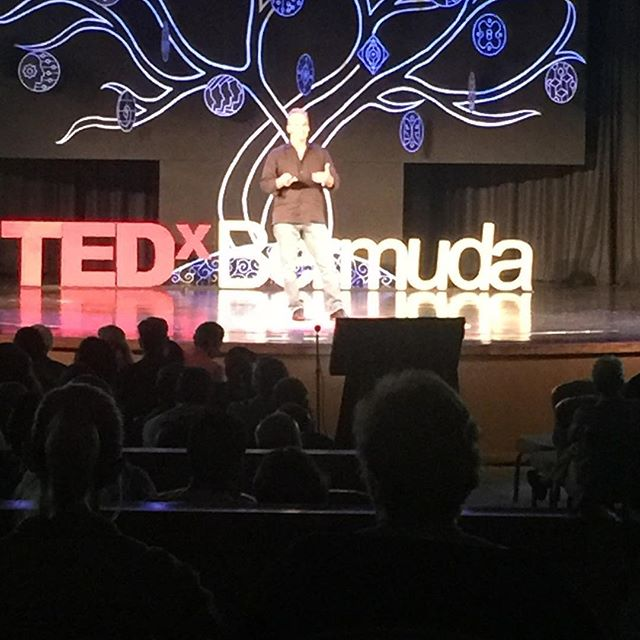 "John Gardiner ""painting in planes"" do you like to paint in planes? #tedx #tedxbermuda #john #planes #painting #lesssgooo"