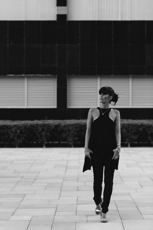 the-girl-from-earth-fashion-dubai-black.jpg