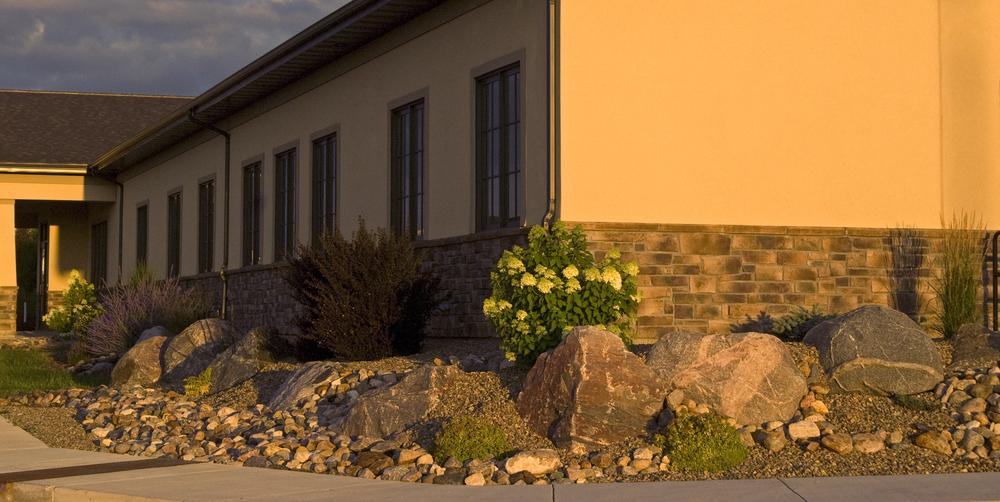 _ALE0006 boulders shrubs.jpg