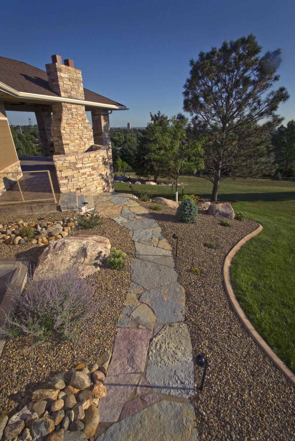_ALE0403 flagstone path rock bed.jpg