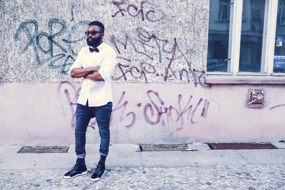 Sonnenbrille - Armani / Hemd - Fillipa K / Jeans - COS